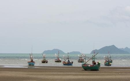 pesquero: La pesca en el viejo estilo de tailandia
