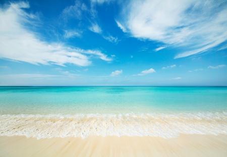 Japanse schone witte strand in Okinawa Prefecture