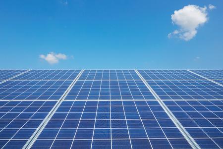 Nahaufnahme der Sonnenkollektoren Standard-Bild