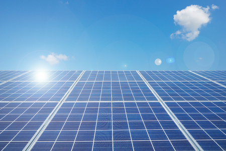 Close up of the solar panels against the blue sky background. Zdjęcie Seryjne