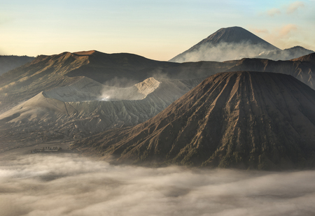 Mount Bromo, Indonesia on a foggy day Imagens