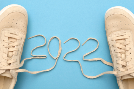 New women sneakers with laces in 2022 text.