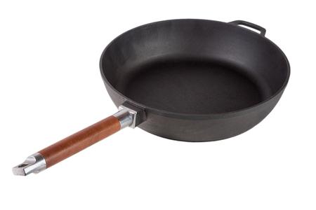 pan met een houten afneembaar handvat geïsoleerd op een witte achtergrond