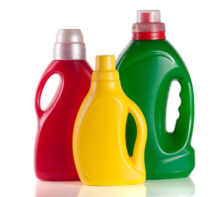 wasmiddel fles met wasverzachter geïsoleerd op een witte achtergrond