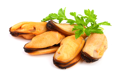 mussel with parsley leaf isolated on white background 스톡 콘텐츠