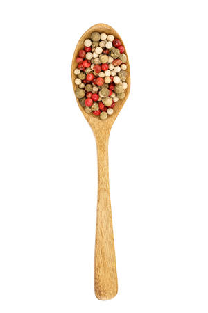 mix of peppercorn in wooden spoon isolated on white background. Top view. Flat lay. Banque d'images