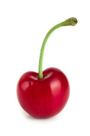 Süße rote Kirschen lokalisiert auf weißem Hintergrundmakro