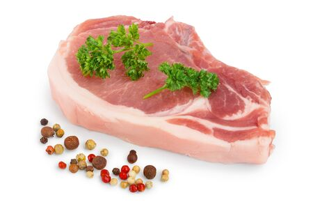 sliced raw pork meat with parsley and peppercorn isolated on white background Фото со стока - 129831249
