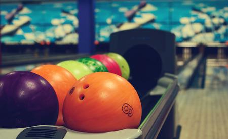 bowling: balls in a bowling club