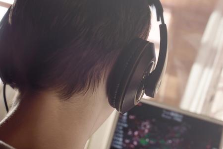 Boy and headphones Zdjęcie Seryjne