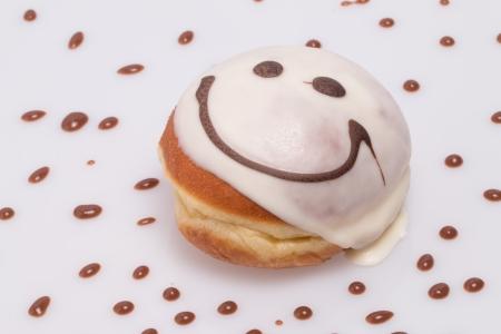 Gâteau de sourire beignet Banque d'images - 25358627