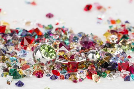 edelstenen: Sieraden voor piercing en natuurlijke edelstenen.