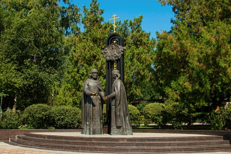 betrothal: Rostov - on - Don, Russia - August 09, 2015: Monument of a betrothal of prince Pyotr and princess Fevroniya Muromskikh, established in park Revolution in Rostov - on - Don.