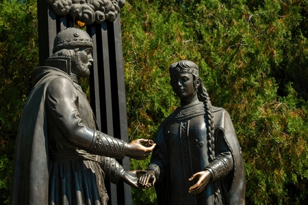 betrothal: Russia - August 09, 2015: Monument of a betrothal of prince Pyotr and princess Fevroniya Muromskikh, established in park Revolution in Rostov - on - Don. Editorial