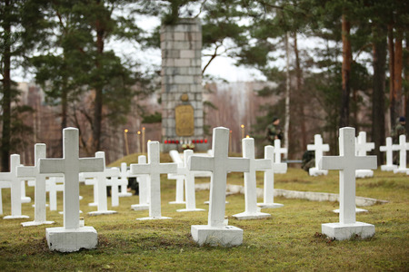 fraternal: White crosses at the Latvian war cemetery in Daugavpils Stock Photo