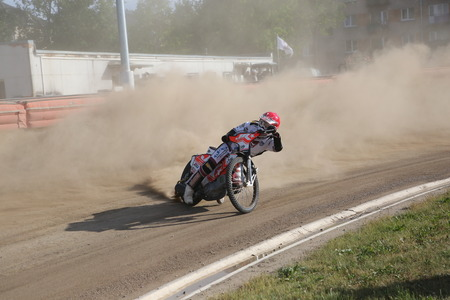 Polonia: DAUGAVPILS, LATVIA - June 5, 2016: Speedway riders on the track in match of polish NICE league Lokomotiv - Orel 42:47