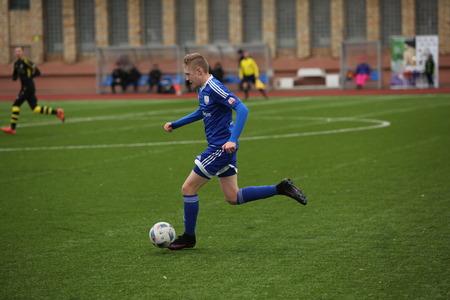 """DAUGAVPILS, LETLAND - 5 maart 2017: Voorseizoen voetbaltoernooi in Daugavpils. Finale """"Daugavpils"""" - """"Progress"""" (Riga) 0: 1"""