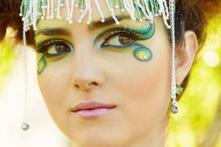 El retrato de una mujer, maquillaje de fantasía