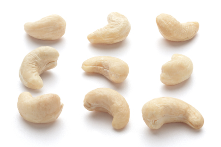 cashew nuts: Cashew nuts isolated