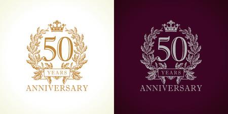 Logotype de luxe de 50 ans. Félicitant le 50ème modèle de couleur or encadré dans les paumes. Salutations isolées célèbre. Célébration de la cinquantaine dans les branches. Cinq, 5ème place de victoire.