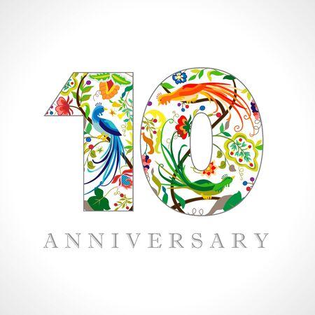 10 Jahre altes Logo. Zahlen zum 10-jährigen Jubiläum. Dekoratives Symbol. Herzlichen Glückwunsch zum Alter mit Pfauenvögeln. Isolierte abstrakte Grafikdesign-Vorlage. Königliche farbige Ziffern. Bis zu 10% Rabatt Rabatt.