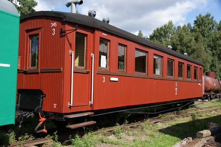 narrowgauge: The old carriage from narrow-gauge road
