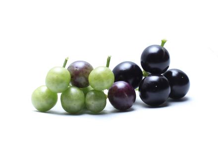 Dodelijke nachtschade, (aubergine) Een onkruid gevonden in de wildernis, Birdwing-vrucht De aard van de vrucht is bolvormig. Het is ongeveer 4-7 mm breed, gebruikt als een remedie voor borstkanker. Baarmoederhalskanker Stockfoto