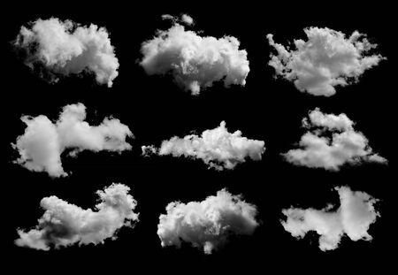 Satz Wolken auf schwarzem Hintergrund