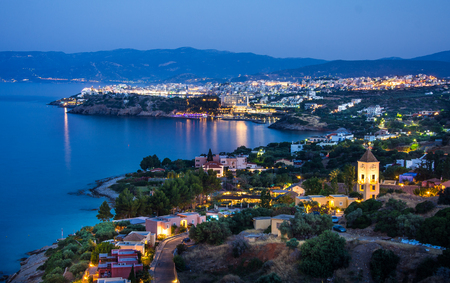 kreta: Night view of Agios Nikolaos, Crete, Greece. Beautiful evening panorama of Crete Stock Photo
