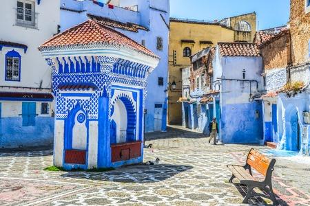 モロッコ、アフリカのシャウエン都市の美しい青いメディナ。 写真素材