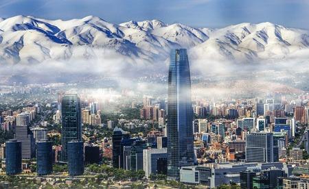 Paesaggio urbano di Santiago bianco