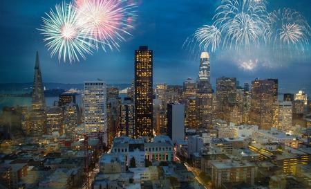 Beautiful New Year Firework in San Francisco, USA. Christmas celebration atmosphere at San Francisco 版權商用圖片