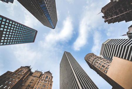 Highrises in San Franciscos Financial District, photographed from a low angle for dramatic perspective. Downtown of San Francisco look up, view up 版權商用圖片
