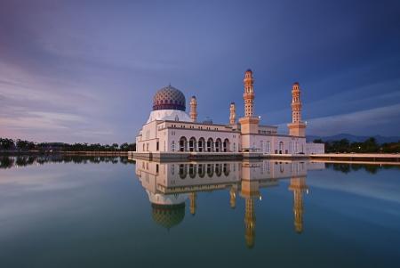 likas: Masjid Bandaraya Kota Kinabalu