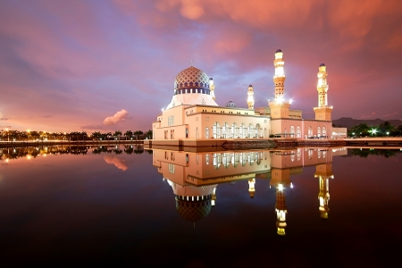 likas: Floating mosque