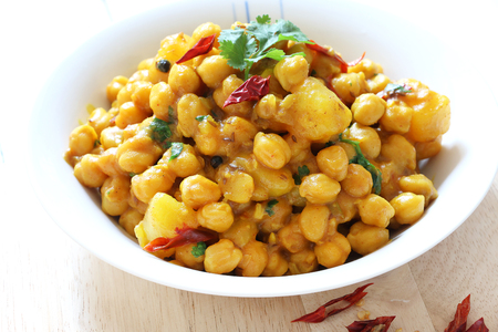 Chickepeas curry with potato