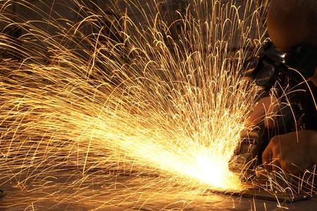 fabrikarbeiter: Fabrikarbeiter dabei seine harte Arbeit