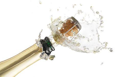 bouteille champagne: Tr?s gros plan d'explosion du li?ge bouteille de champagne Banque d'images