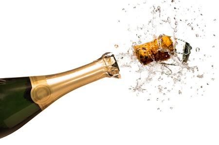 bouteille champagne: Explosion de Li�ge de la bouteille de champagne en gros plan  Banque d'images