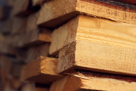 adn: Fuego de madera Stock para el invierno del ADN del clima frío