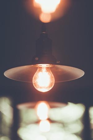 装飾アンティーク エジソン led ライト スタイル フィラメント電球、電灯をつけ、色のビンテージ スタイル、タイ