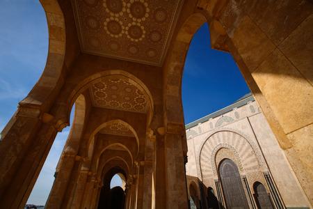 アーチ国王ハッサン 2 世モスク、カサブランカ, モロッコの青空の中にハッサン 2 世モスク 報道画像