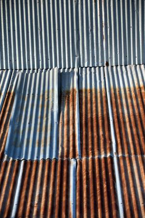 さびたのパターン亜鉛鉄板、古いさびた亜鉛板葺屋根