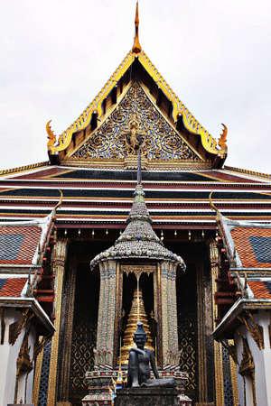 kaew: Entrance to Wat Phra Kaew in Thailand