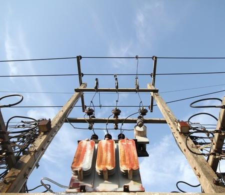 Confusion of connection of electric pole junction   photo