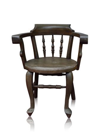 arredamento classico: Vecchio bar di legno sedia isolato a mano fatta su sfondo bianco, il tracciato di ritaglio. Archivio Fotografico