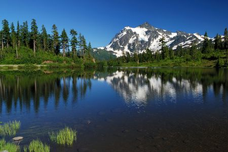 picture lake and mt. shuksan Stock Photo - 3590741