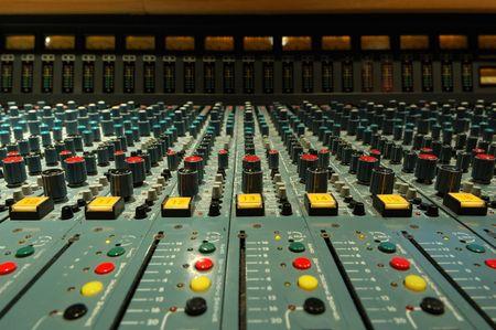 computerize: audio mixing console