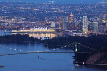 port stanley: downtown vancouver and lions gate bridge Stock Photo