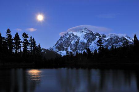 moonrise at picture lake and mount shuksan